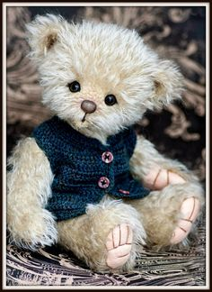 Three O'Clock Bears are collectable teddies and friends made with the adult collector in mind