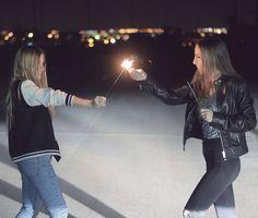Consulta esta foto de Instagram de @paula.baena • 2,600 Me gusta Friend Tumblr, Around The Corner, Best Friends Forever, Perfect Match, Cool Kids, Concert, Instagram Posts, Photographs, Photos