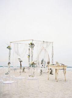 Beach Ceremony / Photo by Jose Villa