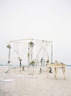Beach Ceremony / Photo by Jose Villa