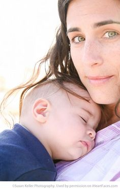 Beautiful Mom and Me Photos for Mothers Day - Lifestyle Photography by Susan Keller Photography via iHeartFaces.com