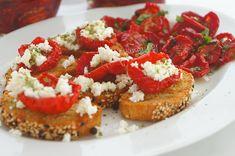 Kitchen Stori.es: Λιαστές Τομάτες Kitchen Stories, Dried Tomatoes, Sun Dried, Bruschetta, Appetizers, Ethnic Recipes, Food, Self, Appetizer