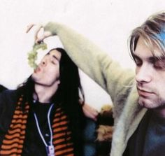 Kurt Cobain and Dave Grohl Dave Grohl, Pat Smear, Anthony Kiedis, Donald Cobain, Nirvana Kurt Cobain, Him Band, Foo Fighters, Love You So Much, Music Bands