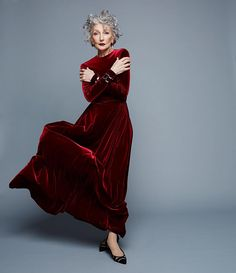 Best Fashion Tips For Women Over 60 - Fashion Trends 60 Fashion, Fashion Tips For Women, Women's Fashion Dresses, Runway Fashion, Fashion Show, Fashion Design, Mature Fashion, Fashion Ideas, Alicia Borras