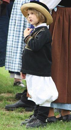 Folk costume, Brittany France