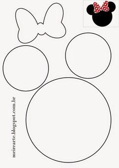 No deseches las botellas de plástico, guárdalas para crear de manera fácil y económica unos lindos dulceros con los personajes de Minnie y Mickey mouse, te encantará el resultado. Dependiendo del modelo a realizar puedes necesitar los siguientes Materiales: Pinturas acrílicas en el color de tu preferencia. Pincel o brocha pequeña Foami en distintos colores …