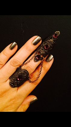 Items similar to Armor claw and ring with chain, dark brass color filigree with amethyst swarovsky crystals, set of 2 pieces. on Etsy Chain Rings, Nail Ring, Necromancer, Jewelry Accessories, Unique Jewelry, Beautiful Body, Brass Color, Claws, Body Art