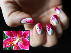 Chalkboard Nails: 31 Day Challenge, Day 14: Flowers (+ Tutorial)