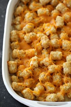 Creamy corn and beef casserole mixed with crispy tator tots makes for a wonderful family dinner. All of the kids will be going crazy over this Cowboy Casserole! Tator Tot Casserole Recipe, Cowboy Casserole, Ground Beef Casserole, Easy Casserole Recipes, Hamburger Casserole, Noodle Casserole, Tatortot Hotdish, Ham And Pineapple Pizza, Beef Recipes