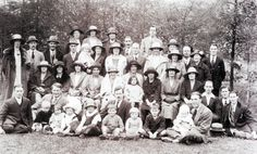 1920s East St Baptist Class (and families) on an outing