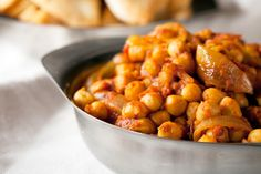 Spicy dishes are not only a great way to eat more vegetable but they also broaden the kids' palate so try our Sweet Potato and Chickpea Curry. Slow Cooker Chickpea Curry, Sweet Potato Chickpea Curry, Chickpea Stew, Chickpea Recipes, Vegetarian Recipes, Tripe Recipes, Curry Recipes, Indian Food Recipes, Ethnic Recipes
