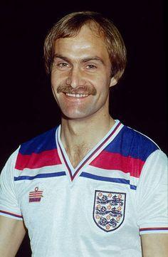 circa 1980 Mick Mills England defender who won 42 England caps between 19731982 Retro Football, Vintage Football, Football Shirts, Dave Watson, England Football Players, Ipswich Town Fc, Euro 96, England National Team, International Football