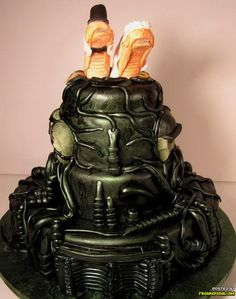 Alien movie cake......I had to add this cus I love the Alien movies....Lol