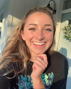 Brooklyn McKnight Dated Landon for 2 years in collage Brooklyn Mcknight, Bailey Mcknight, Brooklyn And Bailey, Famous Youtubers, Video Go, Room Tour, My New Room, Celebrity Weddings, Blonde Hair