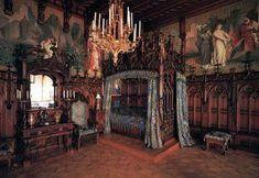 Awesome Modern Interior Medieval theme 23 Fiorito Interior Design History Of Furniture Gothic 7 Goth Bedroom, Victorian Bedroom, Victorian Decor, Classic Home Decor, Classic House, Black Bedroom Furniture, Furniture Decor, Interior Design History, Modern Interior