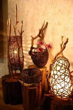 Discover recipes, home ideas, style inspiration and other ideas to try. Willow Weaving, Basket Weaving, Luminaire Original, Diy Lampe, Diy And Crafts, Arts And Crafts, Basket Crafts, Weaving Art, Nature Crafts