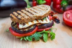 Sandwiches with grilled Eggplant and Pesto:  I SO wanna eat this right now :)