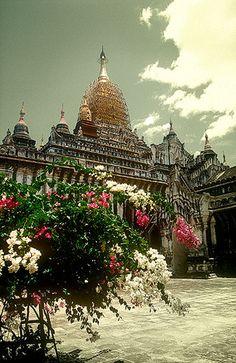 Templo de Ananda, Bagan -   Tayok Pie Temple, Bagan (August 2003)    #Burma #Myanmar #Tour