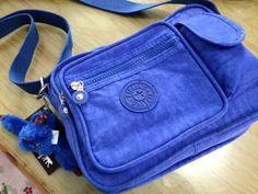 b6c1113e3 54 imágenes fascinantes de bolsas | Backpacks, Beige tote bags y ...