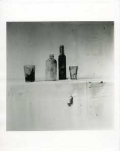 Cy Twombly, Still Life, Black Mountain College, 1951 – courtesy Fondazione Nicola Del Roscio Cy Twombly, Black Mountain College, Poetry Photos, Franz Kline, Robert Rauschenberg, Mark Rothko, Flower Of Life, Still Life Photography, Claes Oldenburg