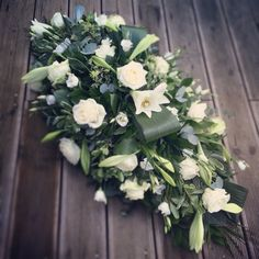 Classic white coffin spray Funeral Flower Arrangements, Funeral Flowers, Funeral Caskets, Memorial Services, Funeral Sprays, Casket Sprays, Funeral Tributes, Sympathy Flowers, Dad Day