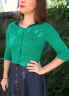 Lladybird's amazing fingering weight kelly green Peacock Eyes cardigan. LOVE THIS.