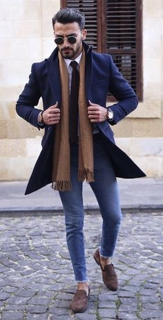 11 Best Men's Fashion Tips To Elevate Your Style! - Nas Kobby Studios - Mode masculine, formes de style et astuces vestimentaires Winter Outfits Men, Stylish Mens Outfits, Simple Outfits, Best Mens Fashion, Mens Fashion Suits, Fall Fashion, Fashion Menswear, Fashion Boots, Big Men Fashion