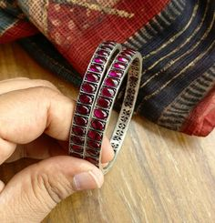 Silver Jewellery Indian, Indian Jewellery Design, Jewelry Design, Ruby Jewelry, India Jewelry, Silver Jewelry, Cruise Packing, Packing Lists, Bridal Bangles