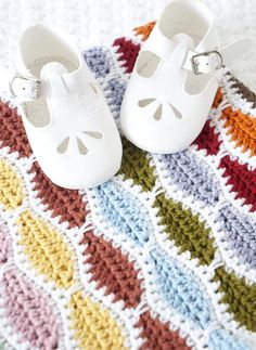 Bertie Baby Blanket crochet pattern by Little Doolally - Available at LoveCrochet