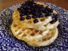 Vegan Waffles in less than 3 minutes! With maple syrup & blueberries! | My Vegan Journal