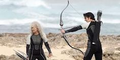 Katniss and Mags fight in the Quarter Quell.