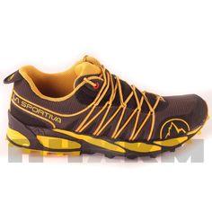 Zapatillas Trail Running La Sportiva Q - Lite en color negro y amarillo para hombre. Fabricadas y diseñadas para corredores de peso medio - bajo para distancias cortas - medias. Parte superior de malla transpirable y antiabrasiva que nos aporta una agradable sensación en el pie y óptima transpiración. Cubierta ergonómica diseñada para abrazar el pie con un sistema de lazado preciso, ofreciendo un ajuste perfecto.
