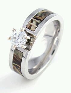 Mossy oak engagement ring