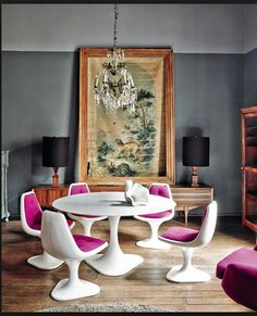 This vibrant, eclectic home in the heart of Mexico City belongs to interior designer Dirk-Jan Kinet. Mixing it up with great style … this old home, built around comes alive under his expert touch …pablo zamora for architectural digest espana Sweet Home, Architectural Digest, Room Inspiration, Interior Inspiration, Design Inspiration, Deco Cool, Vogue Living, Deco Design, Dining Room Design