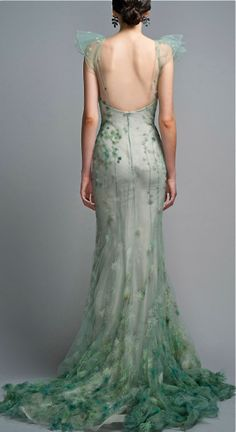 I think Zac Posen was inspired by fairies on this dress.
