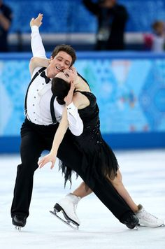 Reigning Olympic Champions and 2 Time World Champion Ice Dancers Tessa Virtue and Scott Moir of Canada Perform the Short Dance, at Sochi 2014 Olympic Games. Virtue And Moir, Tessa Virtue Scott Moir, Ice Skating, Figure Skating, Winter Olympics 2014, Usa Olympics, Figure Ice Skates, Tessa And Scott, Ice Girls