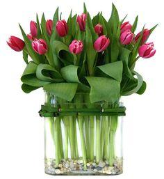 Tablescape ? Floral Centerpiece ? Tulips