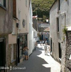 Narrow streets in Port Isaac, Cornwall