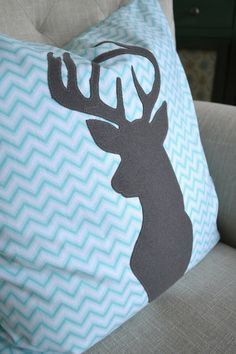 Jedi Craft Girl: Christmas Deer Pillow Tutorial (with appliqué download)