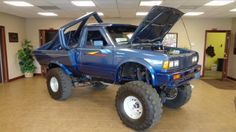 Looking for a 1985 Nissan 720 for sale ? Nissan Pickup Truck, Nissan 4x4, Nissan Trucks, Pickup Trucks, Pick Up Nissan, Pick Up 4x4, Toyota 4x4, Mini Trucks, Monster Trucks