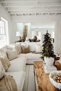 Cozy Living Rooms, Home Living Room, Living Room Decor, Living Spaces, Home Interior, Interior Design, Cozy Sofa, Decor Scandinavian, Scandinavian Christmas