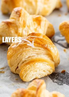 This Homemade Croissants recipe is so buttery, flaky, and will make your morning breakfast so much more delicious! A complete recipe guide with pictures and video to teach you to make the most perfect croissants from scratch. Bagels, Tortillas, Homemade Crescent Rolls, Homemade Rolls, Homemade Biscuits, Homemade Recipe, Homemade Breads, Crossant Recipes, Breakfast Recipes