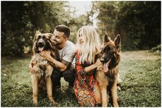 Summertime At Home Anniversary Summertime At Home Anniversary – India Earl Photography Fall Couple Photos, Photos With Dog, Fall Family Pictures, Dog Pictures, Family Photos, Couple Pics, Family Posing, Couple Posing, Couple Shoot