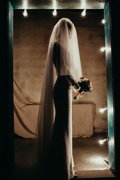 Gorgeous silhouette of a bride captured by Studio LouLou