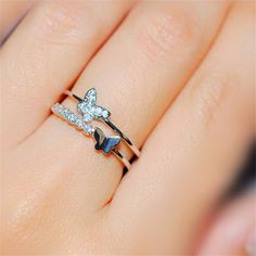 2015 New Chic Butterfly Fashion Pinky Ring für Mädchen - Schmetterling Butterfly Fashion, Butterfly Jewelry, Butterfly Ring, Hand Jewelry, Cute Jewelry, Jewlery, Fashion Rings, Fashion Jewelry, Gold Ring Designs
