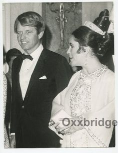 ELIZABETH TAYLOR Sen Robert Kennedy ORIGINAL 1968 Candid Photo J1574 | eBay