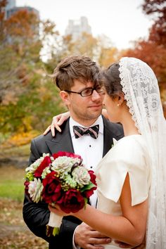 Pretty veil  Photography By / http://threewinksstudio.com,Wedding Coordination By / http://bellafare.com