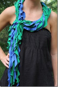 T-Shirt scarve tutorial from Tonia at 4 little Fergusons blog!  NO sewing!