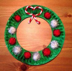 Christmas Wreath Craft - Paper Plate Craft - Preschool Craft - the bow is a pipe. - Christmas Wreath Craft – Paper Plate Craft – Preschool Craft – the bow is a pipe cleaner - Kids Crafts, Christmas Crafts For Toddlers, Daycare Crafts, Toddler Crafts, Christmas Projects, Santa Crafts, Christmas Crafts Paper Plates, Christmas Christmas, Kindergarten Christmas Crafts