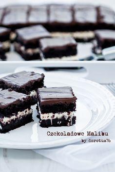 Estremamente torta al cioccolato 'Chocolate Malibu' (translator on page) No Bake Desserts, Delicious Desserts, Small Cupcakes, Great Recipes, Favorite Recipes, Good Food, Yummy Food, Pudding, Mousse Cake